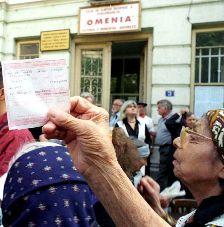 Femeile domină bărbații la pensie