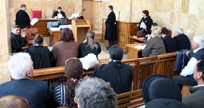 Botoșănean judecat pentru crimă, după ce și-a ucis soția în bătaie