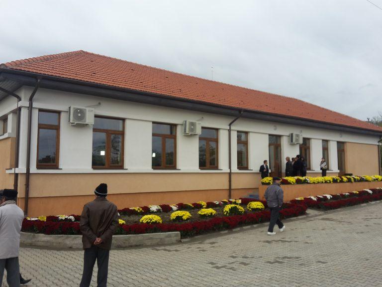 Cămin cultural inaugurat la Costeşti