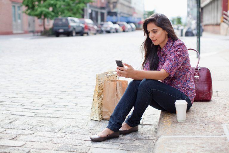 Șapte milioane de români și-au schimbat operatorul de telefonie