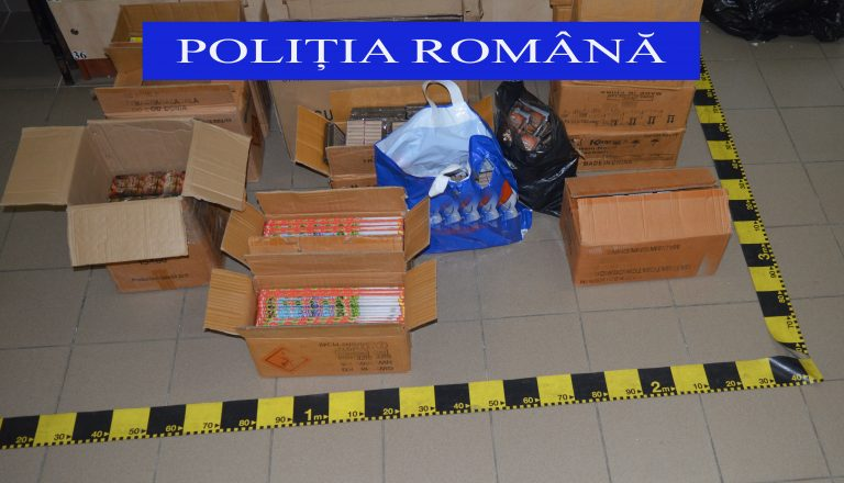 Arsenal de obiecte pirotehnice confiscat de la doi botoșăneni