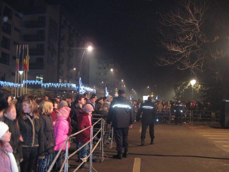 Revelioane şi spectacole în stradă, sub lupa jandarmilor