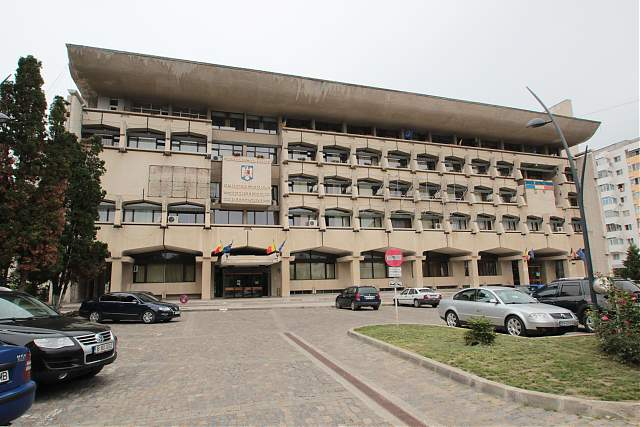 Sediul prefecturii pichetat de o parte a sindicaliștilor din poliție