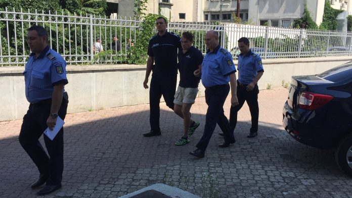Mădălin Miki Lupu la puțin timp după ce a fost prins de polițiștii botoșăneni