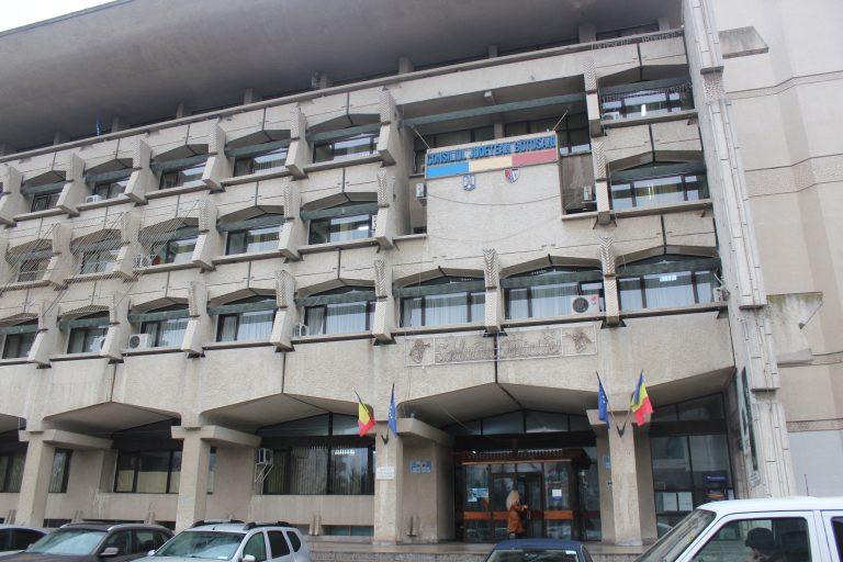 Bani europeni pentru reducerea birocraţiei din CJ