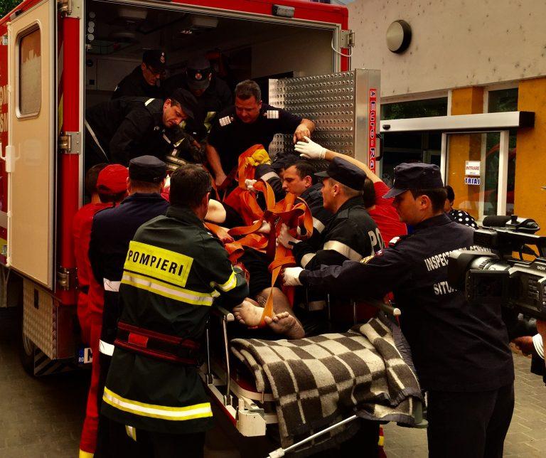 Pacienta supraponderala transportata de SMURD la Suceava