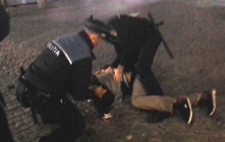 Tânăr ridicat de polițiști și trimis la pușcărie
