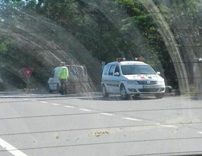 Teribiliști scoși din trafic de polițiști. Unul mergea în zig-zag cu mașina