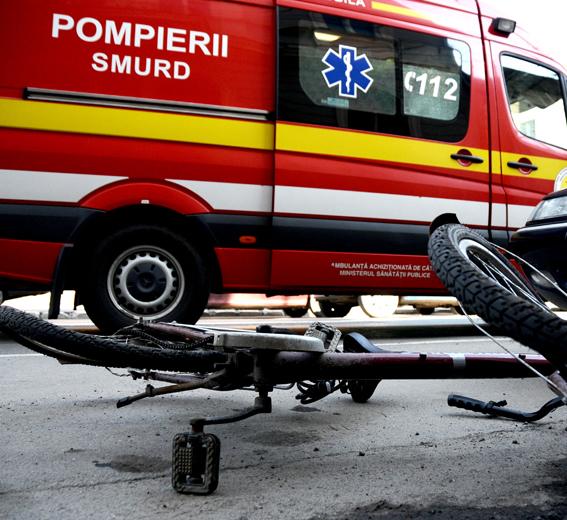 Minor izbit cu bicicleta într-un taxi