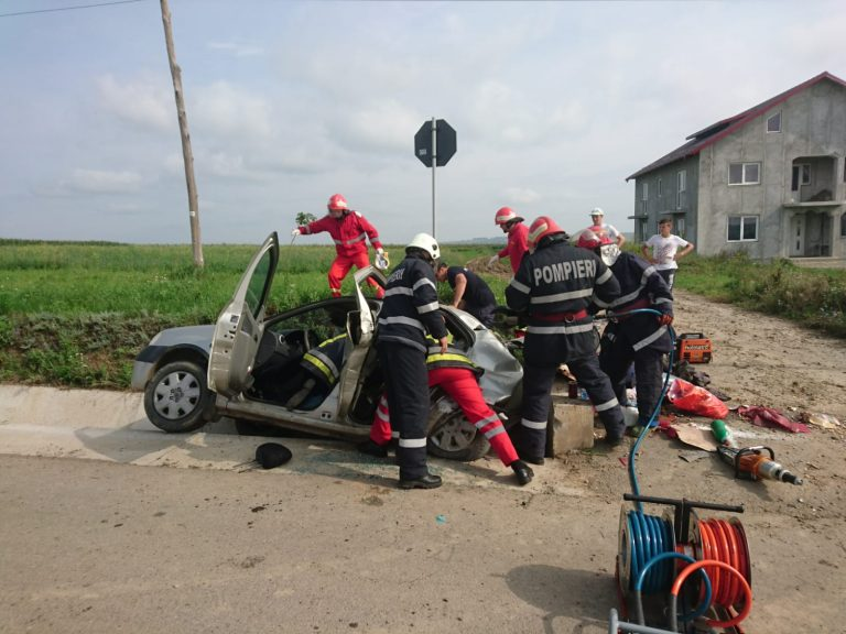 Femeie în stare critică după un accident la Bălușeni