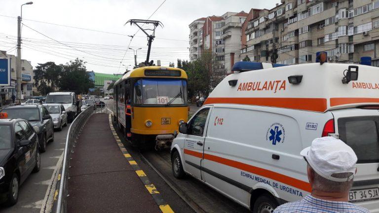 Călătorie cu tramvaiul terminată la spital