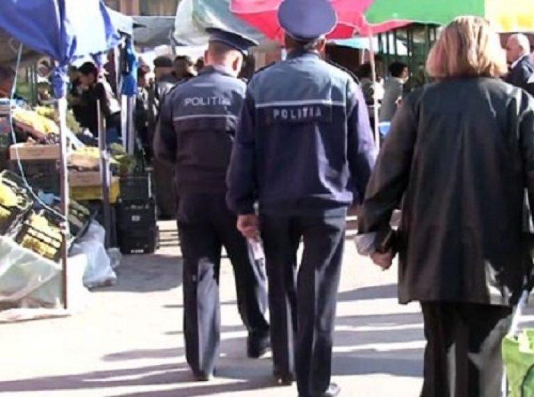 Bani şi mărfuri confiscate din piaţă, în urma unei acţiuni a poliţiştilor