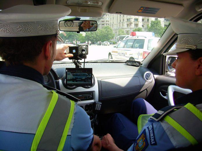Amendă de 1.000 de Euro pentru un şofer grăbit