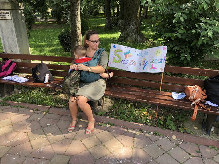 Mămicile din Botoşani promovează alăptarea la sân