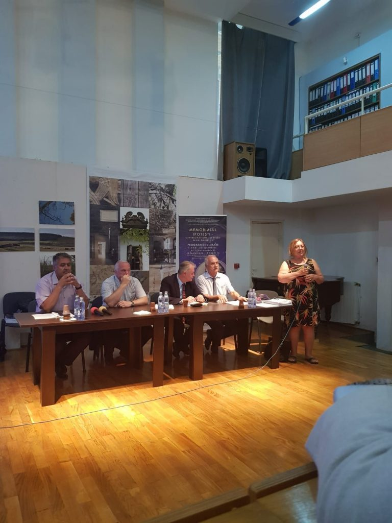 """Fundaţia Academică """"August Treboniu Laurian"""" continuă demersurile pentru înfiinţarea învăţământului universitar de stat la Botoşani"""