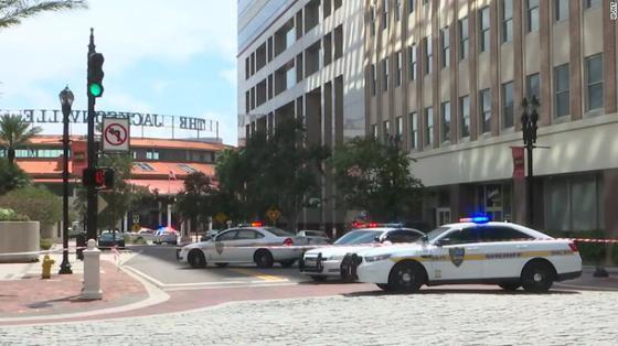 Atac armat la un turneu de jocuri video în Florida soldat cu trei morţi, inclusiv suspectul