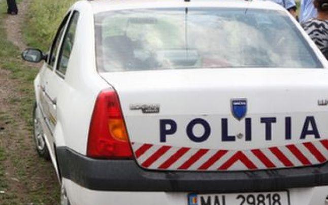 Mamă amendată de polițiști pentru că nu și-a supravegheat copila