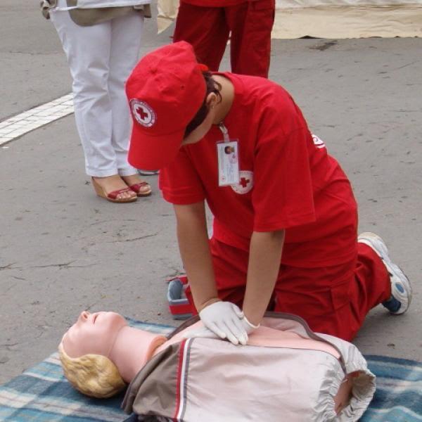 Cursuri de prim ajutor organizate de personalul SMURD
