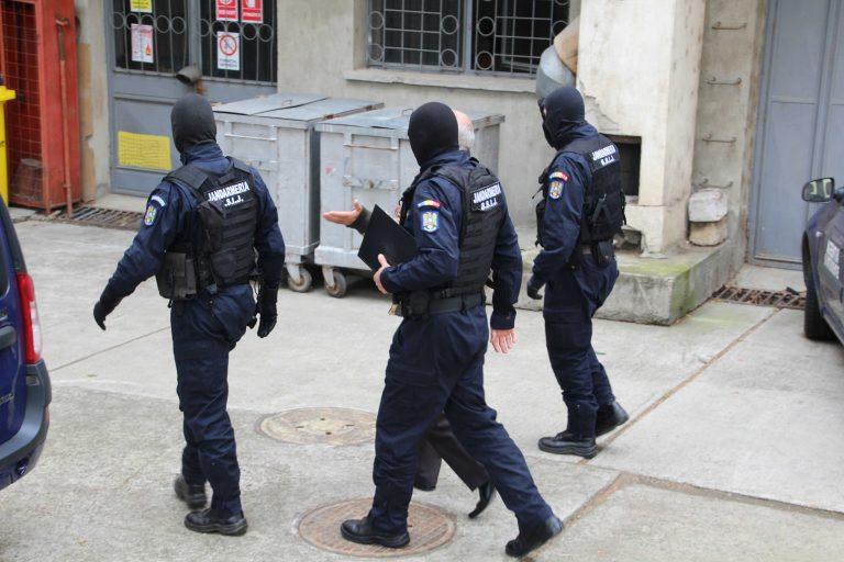 Descinderi la Botoșani pentru anihilarea unei grupări de escroci