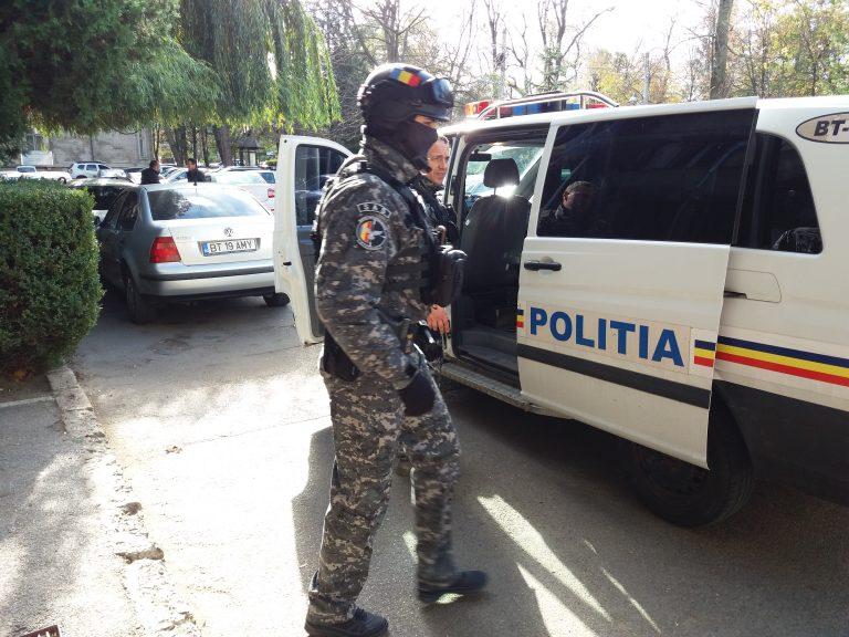 Mărfă de aproape 10.000 de euro confiscată de poliţiştii de la SICE