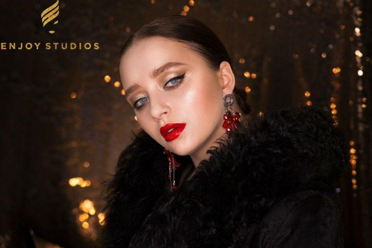 Moldovencele care atrag oportunități de carieră cu frumusețea lor se răsfață în lux ca modele la Enjoy Studios (P)