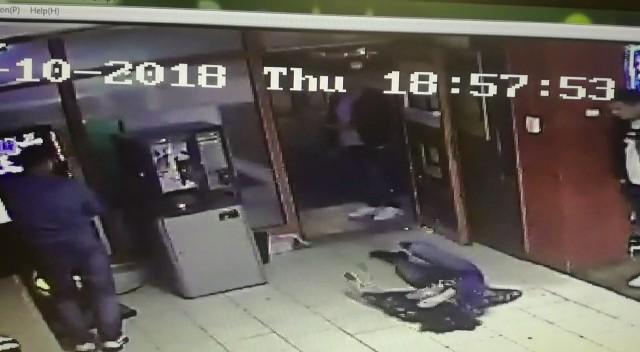 Violenţă extremă în Botoşani. Individ agresiv lăsat liber (FOTO-VIDEO)