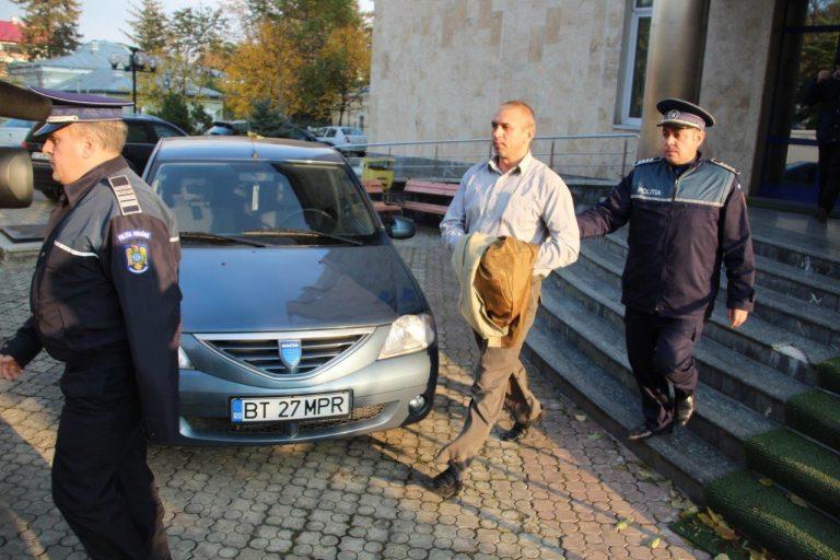 Fost polițist condamnat pentru șantaj și obligat la daune morale de 20.000 de lei