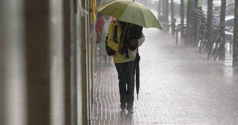 Ploi şi răcire a vremii, urmate de încălzire accentuată