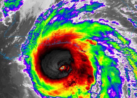 Cel puţin 29 de morţi şi sute de dispăruţi în urma uraganului Michael, în Florida