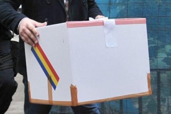 Referendumul ajunge şi după gratii