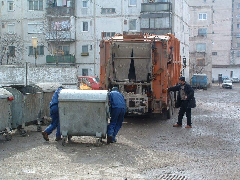 Haos cu taxarea şi aruncatul gunoiului