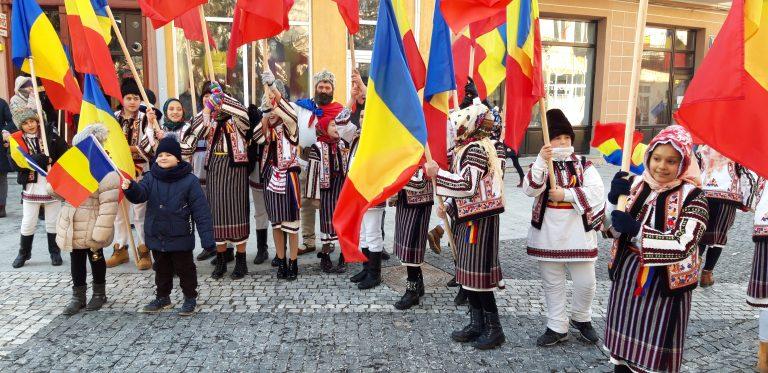 Centenarul a transformat Centrul vechi într-o mare tricoloră