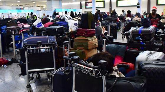 HAOS pe aroporturile din Germania: Sute de zboruri anulate