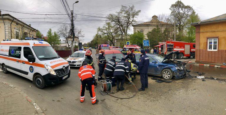Patru din victimele accidentului de la Şcoala 3 au ajuns la Urgenţe (video)
