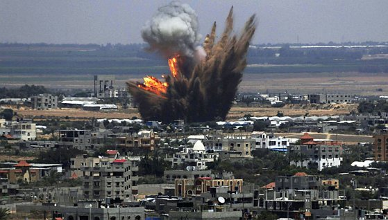 Atac cu rachete pe aeroportul din Tripoli