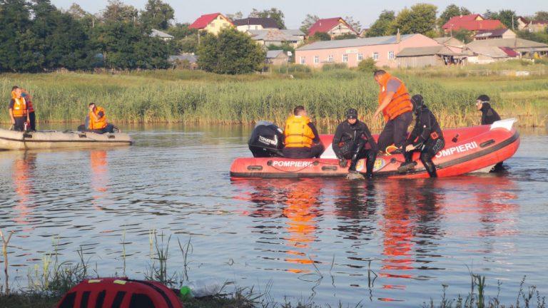 ACUM! Scafandri de la Iași și Suceava chemați pentru căutarea unui copil de 15 ani înghițit de ape