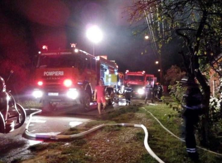 Două incendii în mai puțin de o oră