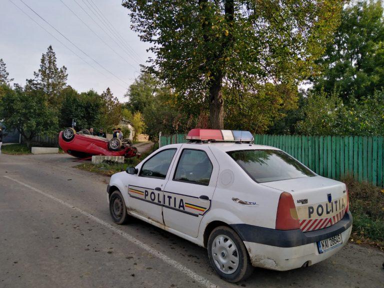 Maşină pusă cu roţile în sus de o şoferiţă (video)