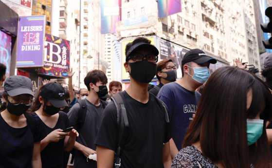 Măsuri în Hong Kong. Zeci de persoane arestate