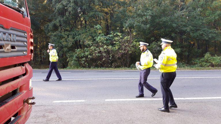 Tânăr beat şi fără permis oprit de poliţişti înainte de o tragedie