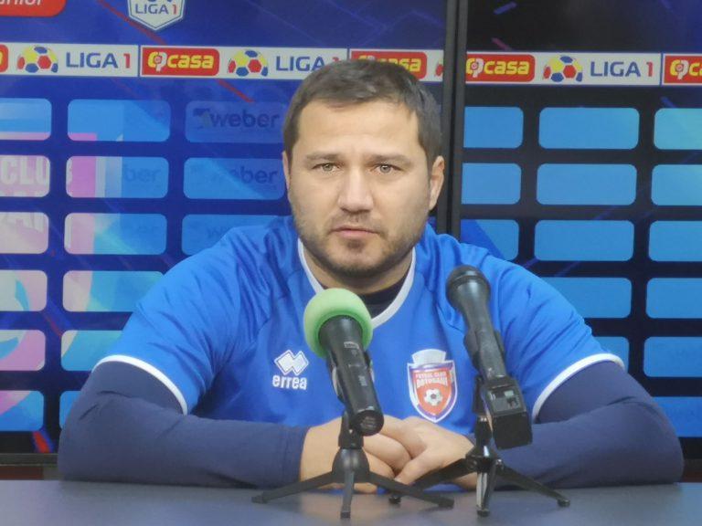 """Croitoru se teme de deplasarea de la Cluj: """"Cine îmi garantează mie că nu îmi îmbolnăvesc jucătorii?"""" (Video)"""