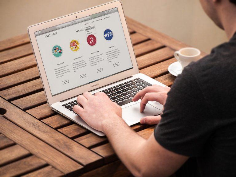 Cele mai puternice site-uri și publicații online au căzut: New York Times, Le Monde, BBC, CNN, The Guardian sau Financial Times