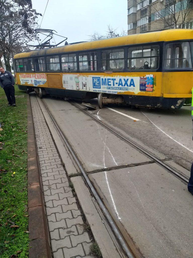 Petiţie online pentru scoaterea tramvaielor din circulaţie