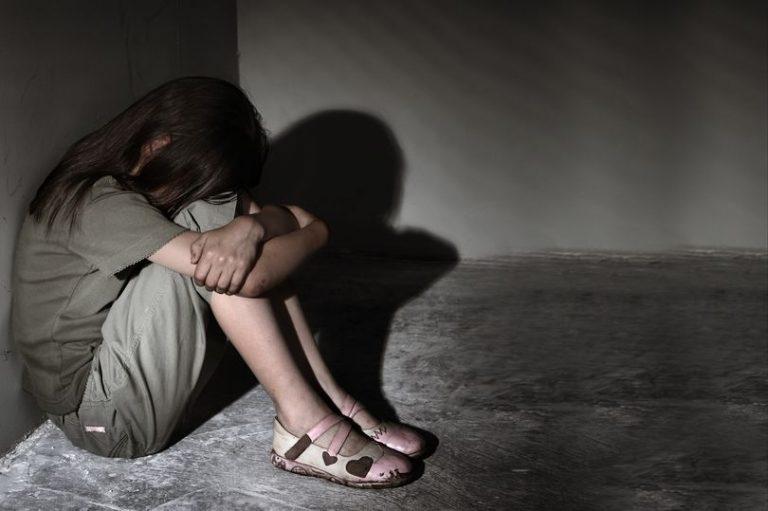 Tânără amendată după un viol închipuit