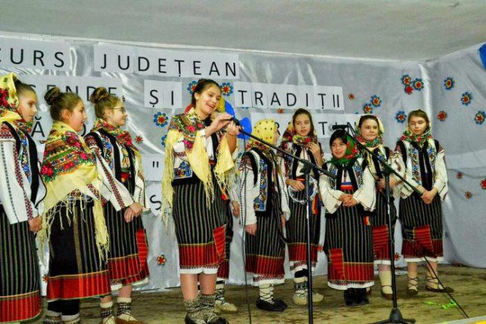 """Pregătiri pentru Festivalul concurs """"Deschide uşa, creştine!"""", organizat la Todireni"""
