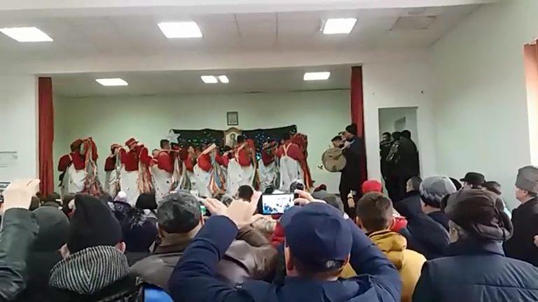 Festival de datini şi obiceiuri de iarnă la Gorbăneşti (video)