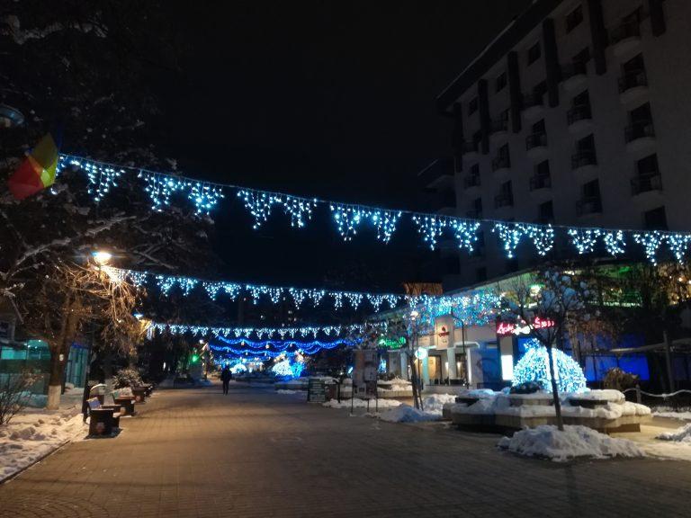 Mâine se aprind luminile de sărbătoare în municipiul Botoşani