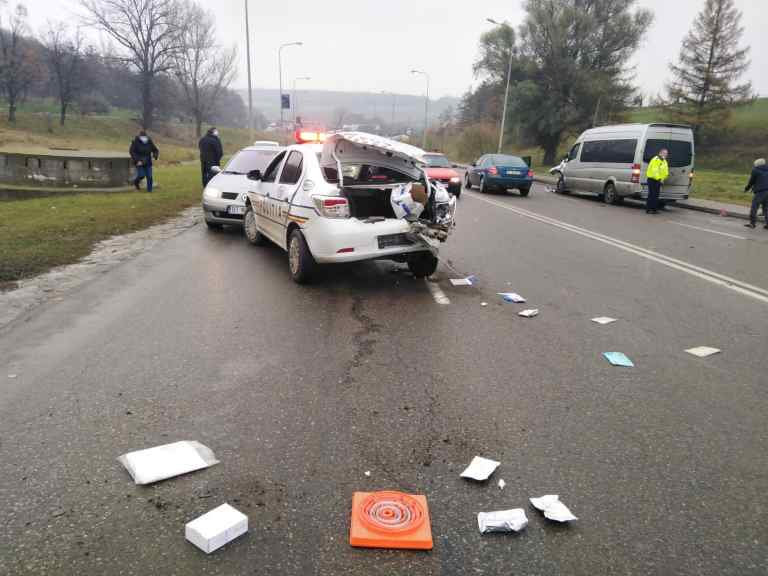 Accident cu autospeciala Poliției (video)