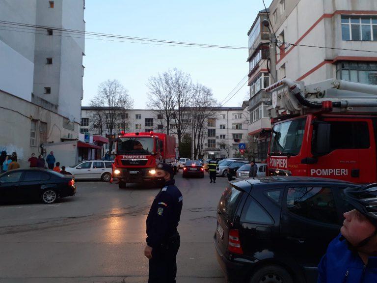 Alertă maximă într-un bloc din centrul oraşului (video)