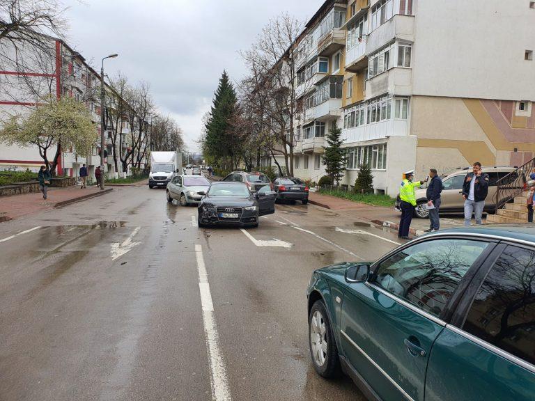 Accident între doi șoferi băuți în miezul zilei